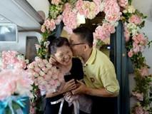 Doanh nhân đặt chuyến bay đón Valentine về TP.HCM