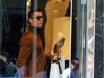 Ronaldo mua quà Valentine tặng bạn gái