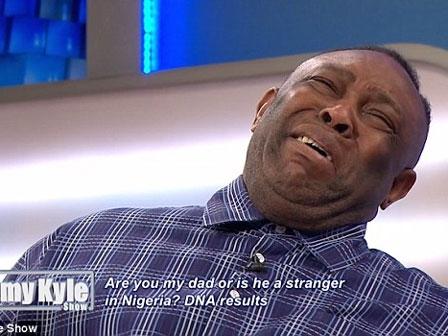 Cha bật khóc trên truyền hình khi biết cậu con trai mình nuôi nấng