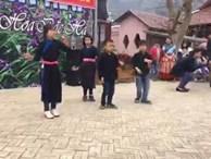Cộng đồng mạng xôn xao với màn nhảy cực 'chất' của trẻ em vùng cao
