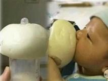 Khi mẹ vắng nhà thì đây là cách những ông bố cho con uống sữa