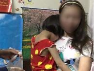 Người mẹ đánh con ở siêu thị vì làm mất kẹo: 'Vì cháu nó quấy quá!'