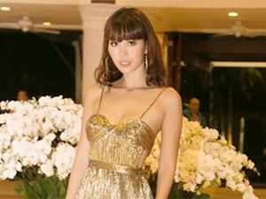 Hà Anh trễ nải hở trên, xẻ dưới lấn át cả hoa hậu quốc tế