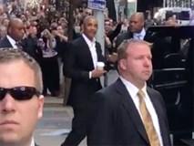 Video: Obama gây náo loạn đường phố New York
