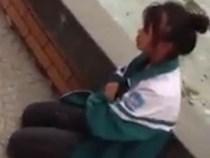 Nhóm nữ sinh Hải Dương bắt bạn quỳ gối, khoanh tay xin lỗi
