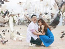 Trấn Thành và bà xã Hari Won ngọt ngào hết cỡ trên bãi biển