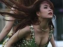Bất chấp giá lạnh, mỹ nhân Việt vẫn mặc bạo biểu diễn