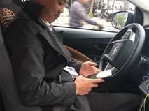 Tài xế taxi trả lại iPhone cho khách và lời bình xấu xí của dân mạng