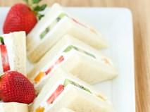 Bữa sáng ngon mà đủ chất với sandwich trái cây làm trong 5 phút
