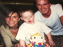 Vợ chồng Beckham xúc động kể về tuổi thơ của Brooklyn