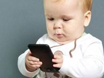 Dỗ con bằng smartphone, trẻ dễ mắc bệnh não