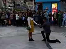 Clip: Thanh niên cầu hôn bị đánh vì nhà không có... toilet