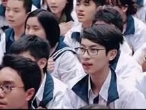 Học sinh hát mong thầy Văn Như Cương khỏe