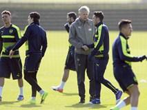 Không hờn dỗi, Sanchez vẫn ra sân tập luyện cùng Arsenal