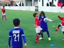 Cháu trai Ronaldo để tóc như Messi, ăn mừng kiểu CR7