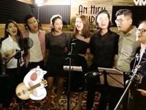 Bất ngờ với giọng hát của BTV Ngọc Trinh, Thụy Vân