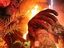 Nóng: Sân khấu ra mắt 'Kong: Skull Island'  cháy lớn khiến nghệ sĩ và khách mời chạy tán loạn