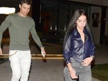 Ronaldo sành điệu đưa bạn gái đi ăn tối