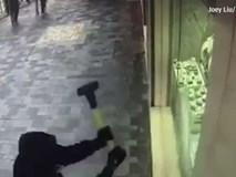 7 giây trộm nhẫn kim cương tại Hong Kong