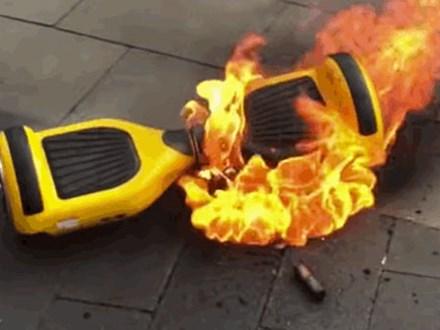 Xe tự cân bằng phát nổ làm bé 3 tuổi chết cháy