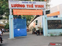 Nghi án bé gái 7 tuổi bị xâm hại: Trường đóng kín cổng, phụ huynh hoang mang tột độ