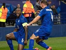 Leicester xuất sắc vào tứ kết ngay lần đầu dự Champions League