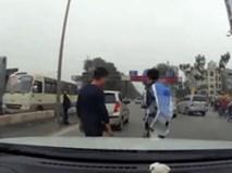 Sau va chạm, hành động của 2 tài xế khiến nhiều người mỉm cười