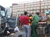 Vụ xe đón dâu đâm vào xe tải: 12 người xuất viện, 4 người đã qua cơn nguy kịch