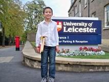 14 tuổi làm giảng viên đại học