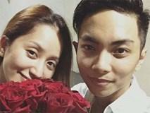 """Phan Hiển điển trai như """"soái ca"""", mang hoa hồng tặng sinh nhật vợ yêu Khánh Thi"""