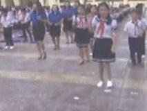Học sinh tiểu học nhảy flashmod trên nền nhạc 'cha cha cha' siêu đáng yêu