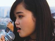 """Thơ """"Sóng"""" của Xuân Quỳnh được sinh viên Đại học Y """"thổi hồn"""" gây sốt"""