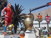 Tiền đạo Alexis Sanchez được tạc tượng ở quê nhà