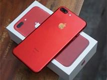 Video: Tưới xăng đốt iPhone 7 màu đỏ