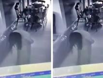 Chủ nhà sốc nặng khi xem lại camera phát hiện người giúp việc bị 'quỷ ám'
