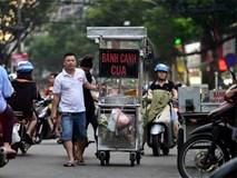 Khu tập kết hàng rong đầu tiên ở Sài Gòn đông nghẹt khách