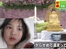 Nghẹn lòng tấm vé máy bay về quê hương được đặt trong quan tài của bé gái người Việt