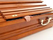 Hết hồn người đàn ông đột nhiên sống lại ngay lúc đưa tang