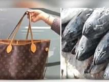Bà lão Đài Loan dùng túi hàng hiệu Louis Vuitton để đựng cá