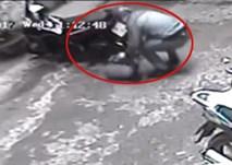 Trộm cắt khóa chữ U lấy xe Air Blade trong 10 giây ở Hà Nội
