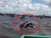 Lật tàu ở lễ hội nghinh Ông: 3 người chết, gần 100 người gặp nạn