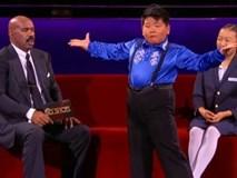 Cậu bé nổi tiếng thế giới với điệu nhảy bất chấp cân nặng
