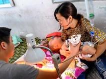 """Mẹ bé trai bị thang cuốn sân bay Tân Sơn Nhất kẹp đứt tay: """"Vụ việc xảy ra quá nhanh, tôi không kịp trở tay"""""""