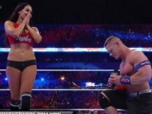 Đô vật gợi cảm tuyên bố không sinh con cho huyền thoại WWE