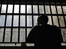 Bài toán bao nhiêu tù nhân trốn thoát?