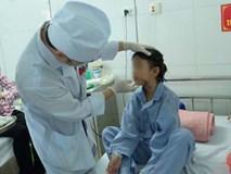 """Bé gái 9 tuổi bị bố truy sát ở Bắc Ninh: """"Mẹ đã cố che chắn cho hai chị em sau khi bị bố đâm"""""""