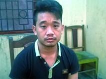 Nhân viên quán ăn cầm dao truy sát nhóm thanh niên trên phố