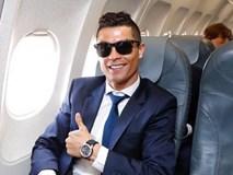 Ronaldo cười tự tin, bay sang Đức chuẩn bị đấu Bayern