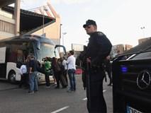 Cổ động viên Leicester say rượu, đụng độ cảnh sát