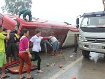 Clip hiện trường vụ tai nạn xe khách giường nằm ở Hà Tĩnh